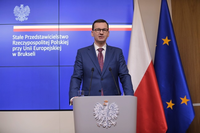 Polish Prime Minister Mateusz Morawiecki gives a news conference in Brussels in the early hours of Thursday. Photo: PAP/Marcin Obara