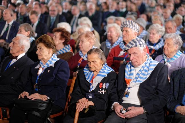 Бывшие узники Аушвиц-Биркенау на памятных мероприятиях, посвященных 74-й годовщине освобождения немецкого лагеря смерти.