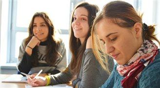UE: polscy uczniowie w czołówce uczących się j.obcych