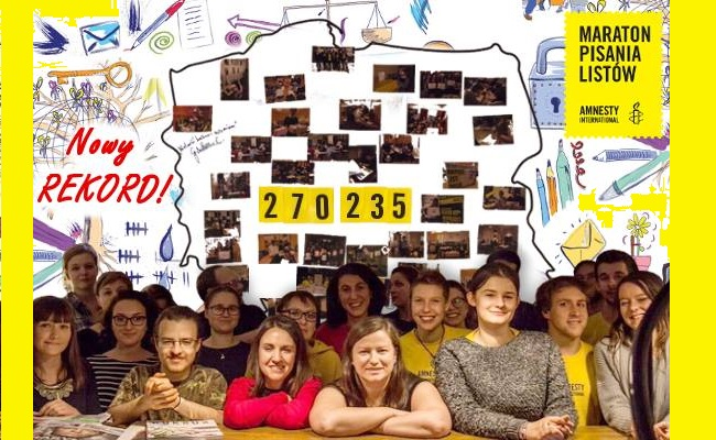 Amnesty letter-writers set record. Photo: Facebook.com/Amnesty International Polska