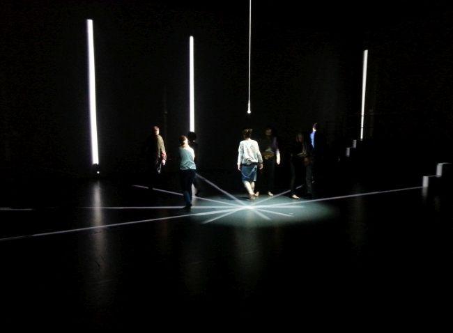 Сцена из спектакля «G.E.N» в театре TR Warszawa.