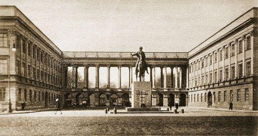 """Саксонский дворец. Фотография сделана между 1920-1925 годами. Из книги  A. Jankowski """"Warszawa. 1920-1925"""" . Wydawnictwo Polskie, Poznań."""