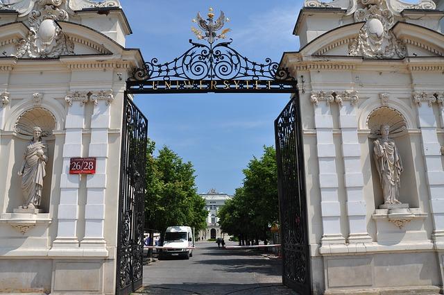 Оприлюднено рейтинг найкращих навчальних закладів Польщі