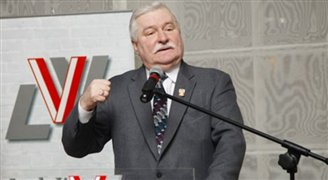 Poles reject euro, as Nobel laureate Wałęsa calls for adoption ASAP
