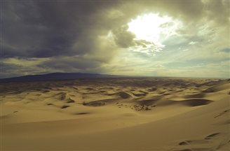 Polish man crosses Gobi desert on foot alone