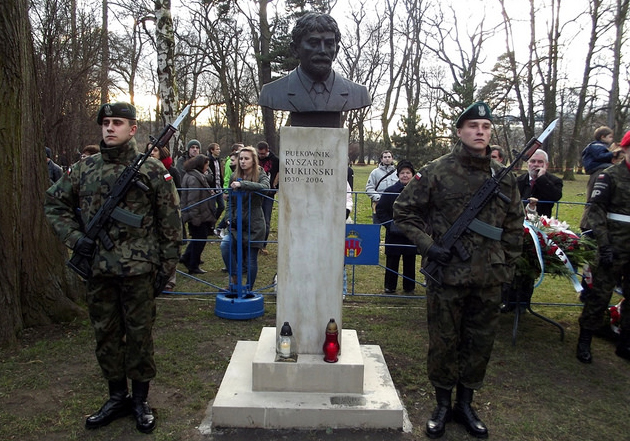Bust of Colonel Ryszard Kukliński. Photo: Flickr.com/Piotr Drabik