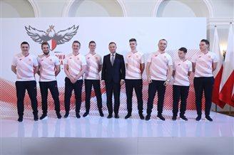 Polish president meets players of national FIFA e-sports team