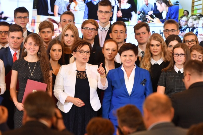 PM Beata Szydło (centre right) and Education Minister Anna Zalewska (centre left) during National Education Day ceremonies in Warsaw on Monday. Photo: PAP/Bartłomiej Zborowski