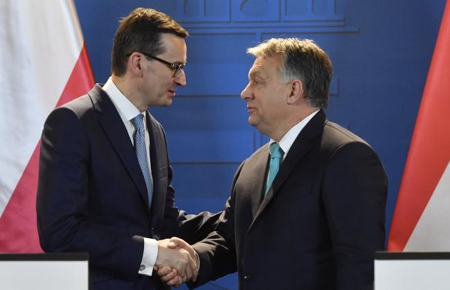 Polish Prime Minister Mateusz Morawiecki and Hungarian Prime Minister Viktor Orban. Photo: EPA/Tibor Illyes.