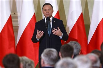 Polish, Lithuanian presidents talk security, business