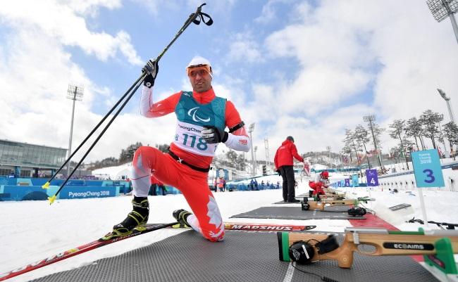 Польский биатлонист Петр Грабовский во время тренировок в Пхеньчхане