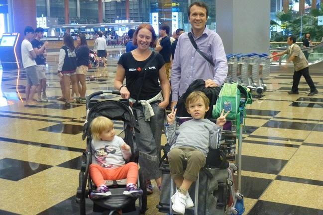 Beata i Dominik Janczewscy z dziećmi