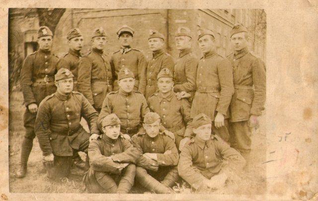 Die Anders-Armee wurde 1941 nach dem Kriegseintritt der Sowjetunion aus in die Sowjetunion deportierten Polen aufgestellt.