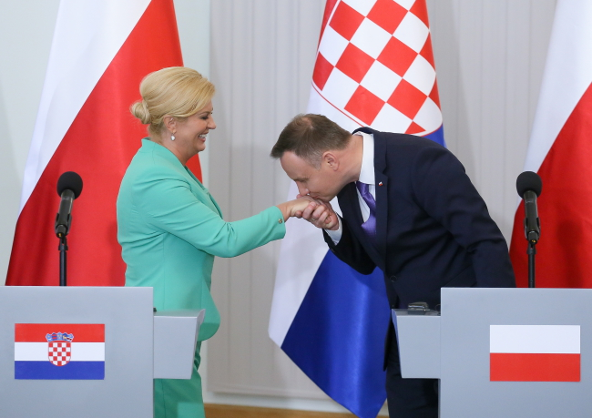 Президент Хорватии Колинда Грабар-Китарович и президент Польши Анджей Дуда.