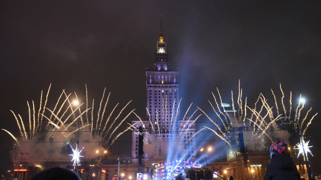 Fireworks marking the Great Orchestra of Christmas Charity's 25th finale concert in Warsaw. Photo: PAP/Radek Pietruszka.