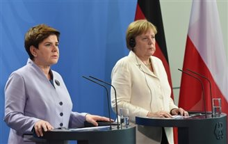 Polish, German governments hold talks in Berlin