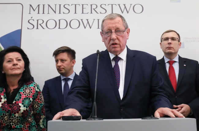Environment Minister Jan Szyszko speaks at Tuesday's press conference on the development of geothermal energy in Poland. Photo: PAP/Paweł Supernak