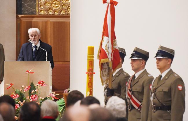 Президент Всемирного союза солдат Армии Крайовой, проф. Лешек Жуковский на богослужении за упокой павших и за здравие живущих солдат АК.