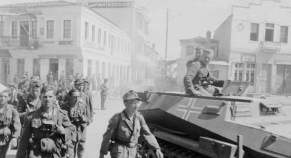 Немецкие солдаты в Афинах