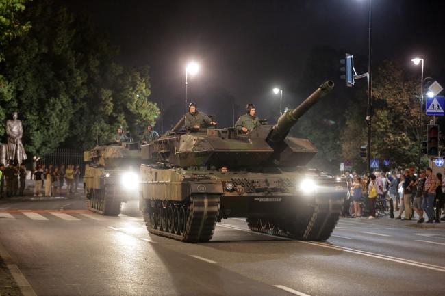 Репетиція військового параду відбувається у Варшаві вночі