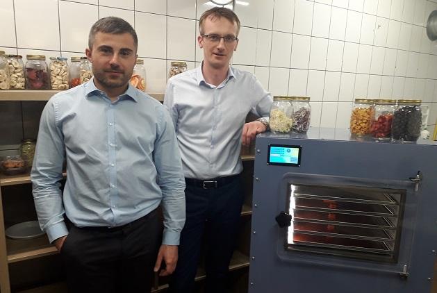 Ученые из Силезского политехнического университета разработали первый в мире полностью компактный пищевой лиофилизатор