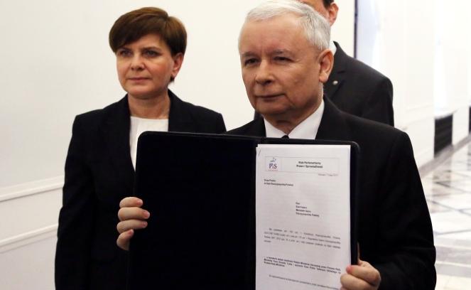 Posłowie PiS-u Beata Szydło i Jarosław Kaczyński