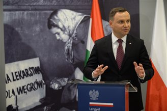 Polish President commemorates 1956 Hungarian Revolution