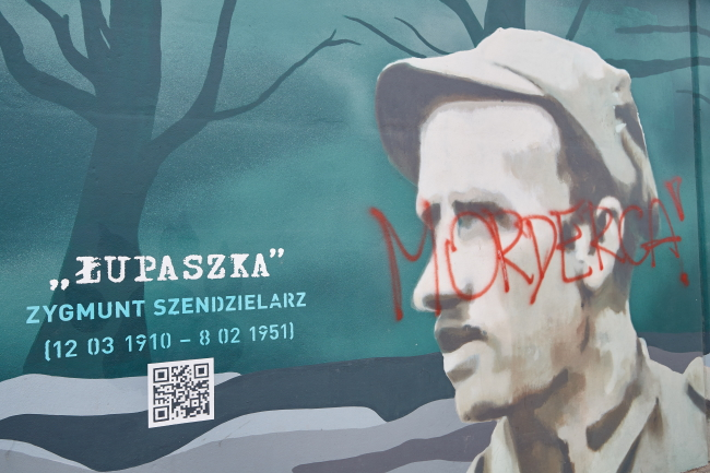 """Part of Gdańsk's mural to """"Cursed Soldiers"""". Photo: PAP/Adam Warżawa."""