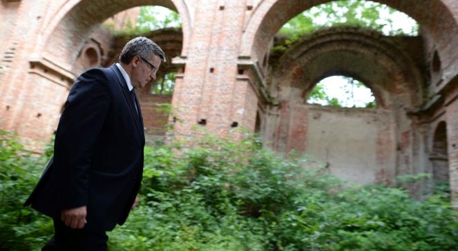 Prezydent Bronisław Komorowski odwiedził ruiny kościoła w Kisielinie