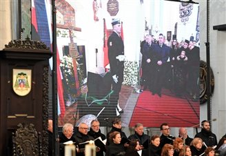 UPDATE: Top politicians at funeral of slain Polish mayor