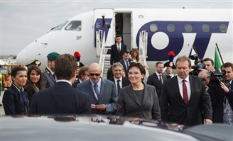 Polish PM shuns local politicians on visit to Kosovo