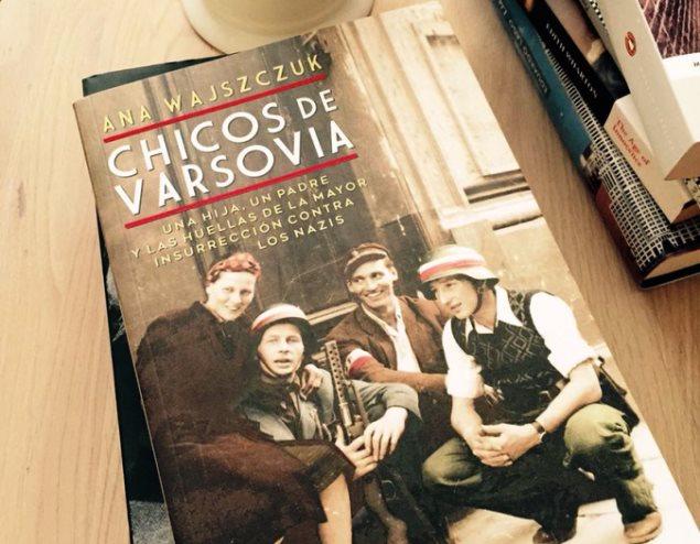 """Okładka książki """"Chłopcy w Warszawy"""" Any Wajszczuk"""