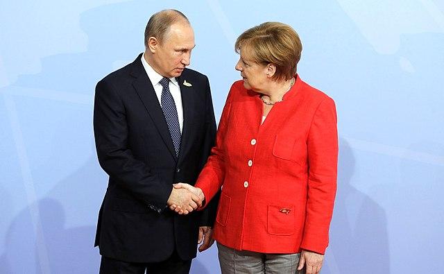 Президент Росії Владімір Путін і канцлерка Німеччини Анґела Меркель