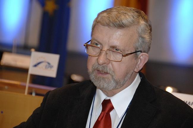 Аляксандер Милинкевич