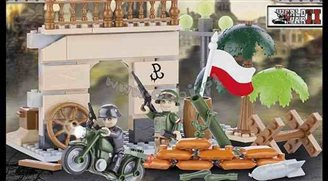 Rumpus over grinning Warsaw Rising toys