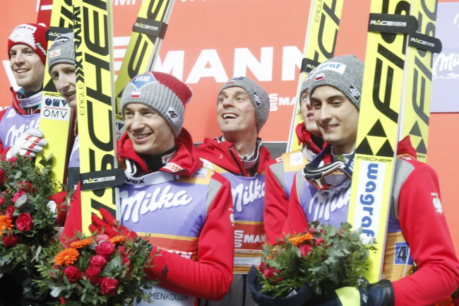 Poland's ski jumpers. Photo: EPA/Terje Bendiksby.