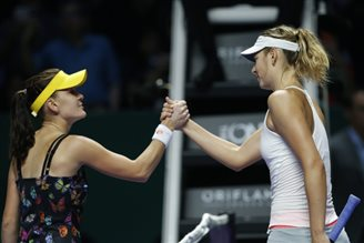 Radwanska through to last four of WTA Finals