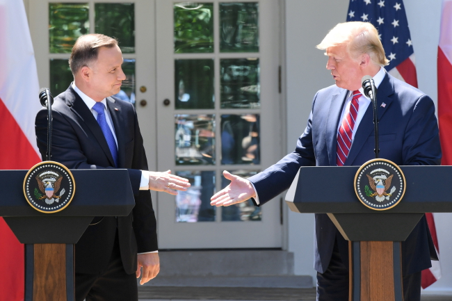 Andrzej Duda und Donald Trump in Washington