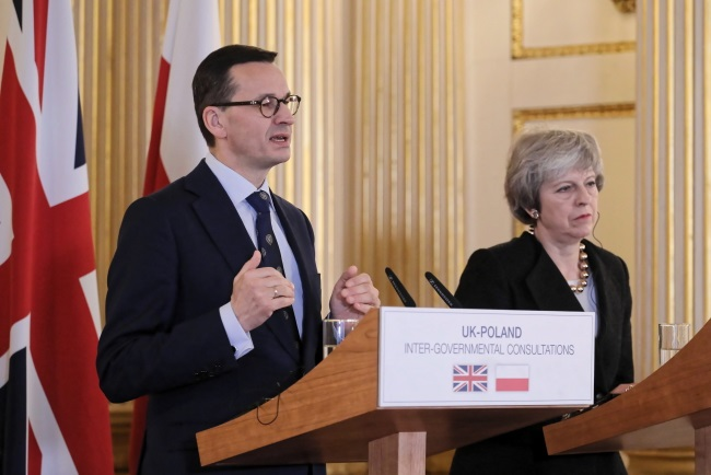 Polish Prime Minister Mateusz Morawiecki and Britain's Theresa May give a news conference in London on Thursday. Photo: PAP/Paweł Supernak