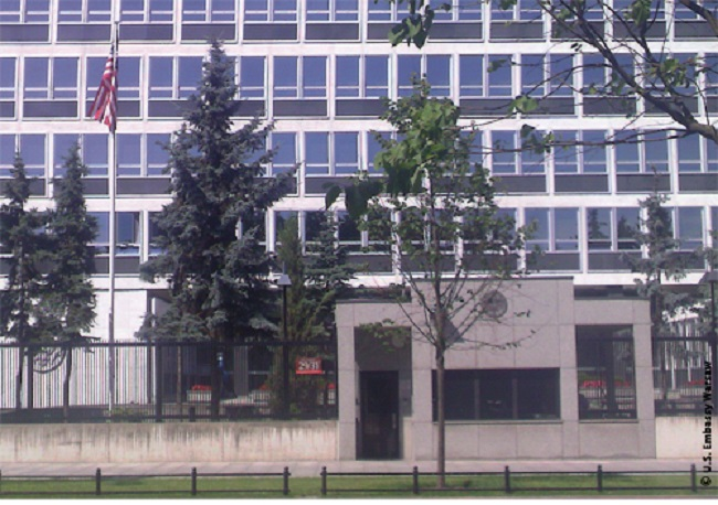 The US embassy in Warsaw. Photo: U.S. Department of State (http://poland.usembassy.gov/poland/offices.html) [Public domain], via Wikimedia Commons