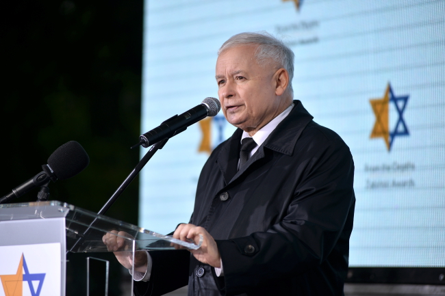 Polish conservative leader Jarosław Kaczyński speaks at the Żabiński Awards ceremony in Warsaw on Monday. Photo: PAP/Marcin Kmieciński