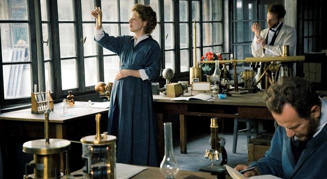"Kadr z filmu ""Maria Skłodowska-Curie"""