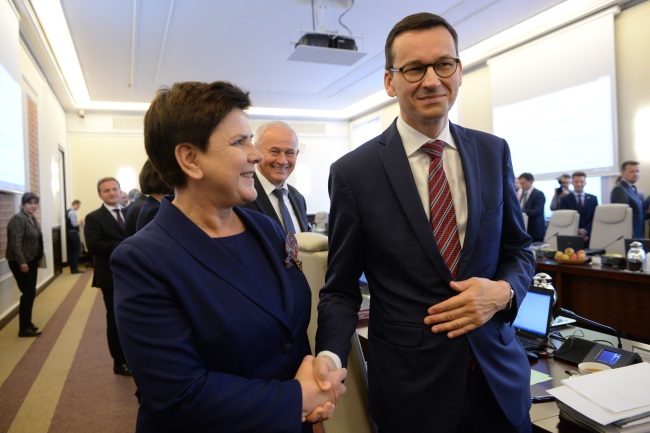 Polish Prime Minister Beata Szydło (left) and Deputy PM and Development and Finance Minister Mateusz Morawiecki. Photo: PAP/Jacek Turczyk