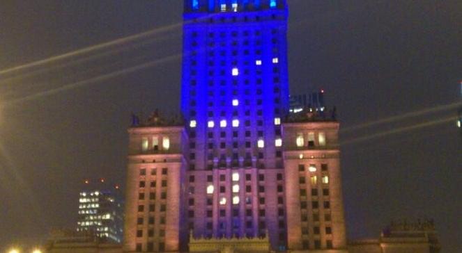 Палац культури і науки у Варшаві - жовто-блакитний (Фото Антон Марчинський)