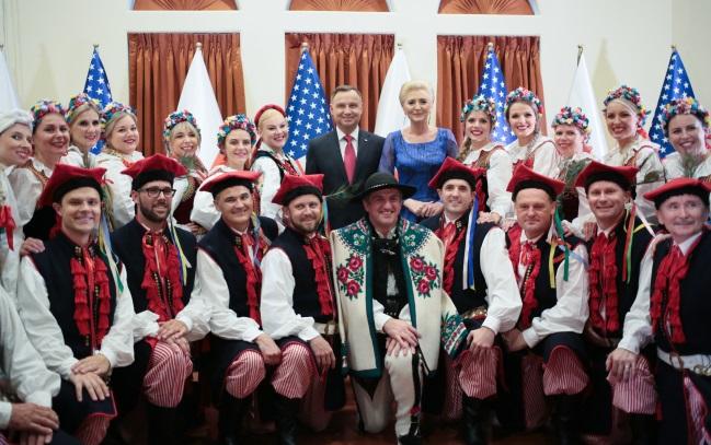 Президент Польши Анджей Дуда с супругой Агатой Корнхаузер-Дудой на встрече с представителями польской диаспоры в Хьюстоне