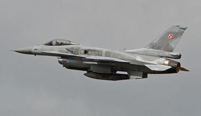 Польський винищувач F-16