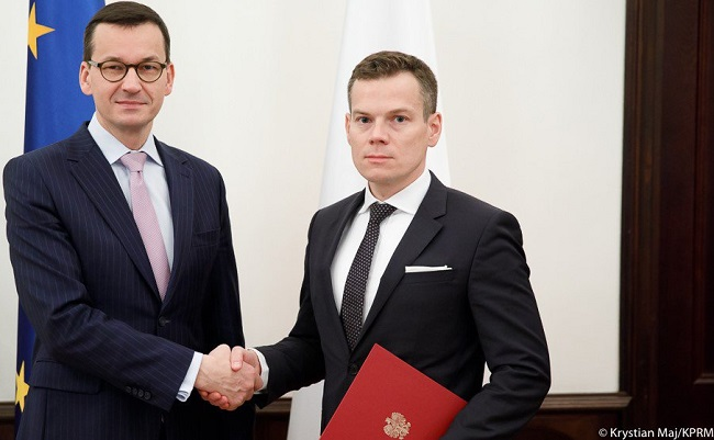 Prime Minister Mateusz Morawiecki (left) appoints Jacek Jastrzębski (right) as the new head of Poland's financial watchdog on Friday. Photo: Krystian Maj/KPRM
