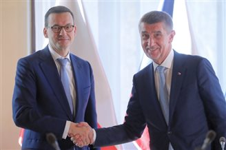 Top Polish, Czech officials hold talks in Prague