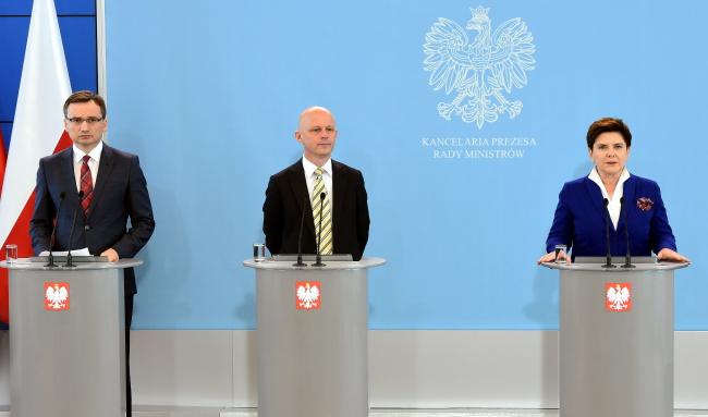 Justice Minister Ziobro, Finance Minister Szałamacha, PM Szydło. Photo: PAP/Radek Pietruszka
