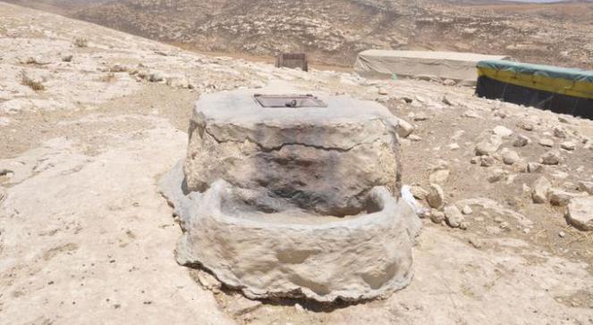 Cysterna w wiosce Rahava przed wyburzeniem